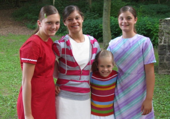 (L-R)Molly (Jason's middle daughter), Andrea Fox (Brian's), Whitney (Daryl's), and Tamara Fox (Brian's).